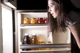 寝不足の人が太りやすくなる3つの理由